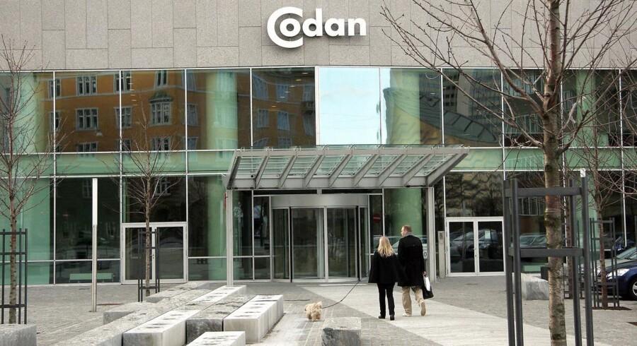 Ejenren af Codan befinder sig i en økonomisk klemt situation. Det kan få negative konsekevnser for Codan, som er Danmarks tredjestørste forsikringsselskab og har 390.000 kunder i form af både husstande og virksomheder.