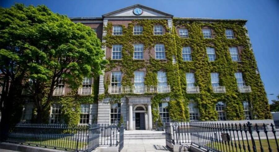 Danske Banks ejendomssalg i Irland omfatter kendte Dublin-ejendomme som dette georgianske pragtpalæ Fitzwilliam Hall, hvorfra der er udsigt over Grand Canal i den irske hovedstad.