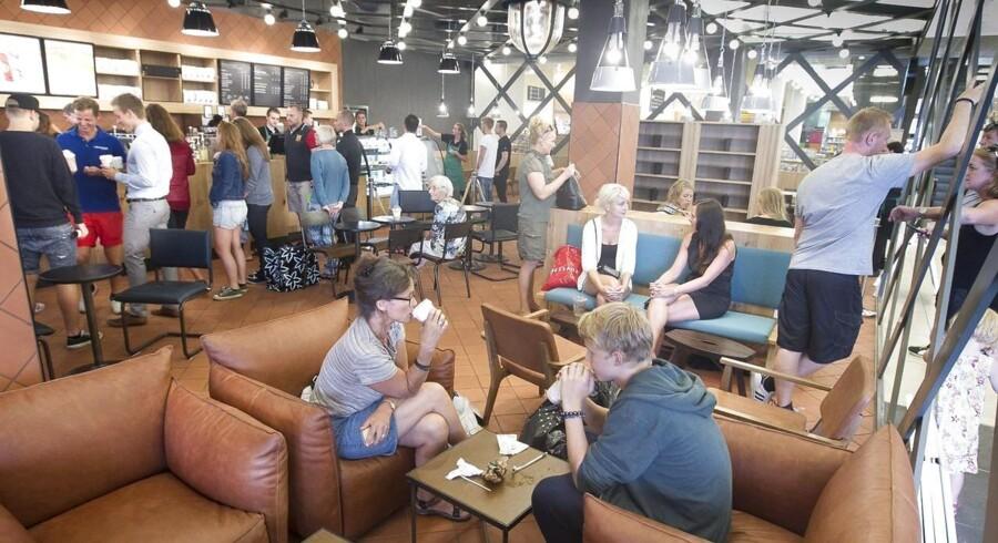 Starbucks har blandt andet en cafe hos Salling på strøggaden i Aarhus.