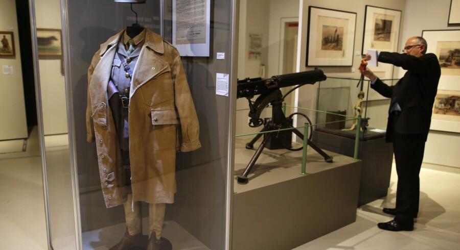 En uniform fra en britisk officer, udstillet i anledningen af Første Verdenskrigs jubilæum.