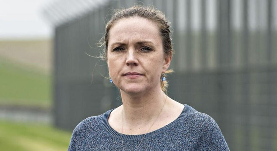 Justitsminister Karen Hækkerup (S) under et besøg i Statsfængslet Østjylland uden for Horsens. Besøget er sket i begyndelsen af april 2014 og har ikke umiddelbart relation til nedenstående historie.
