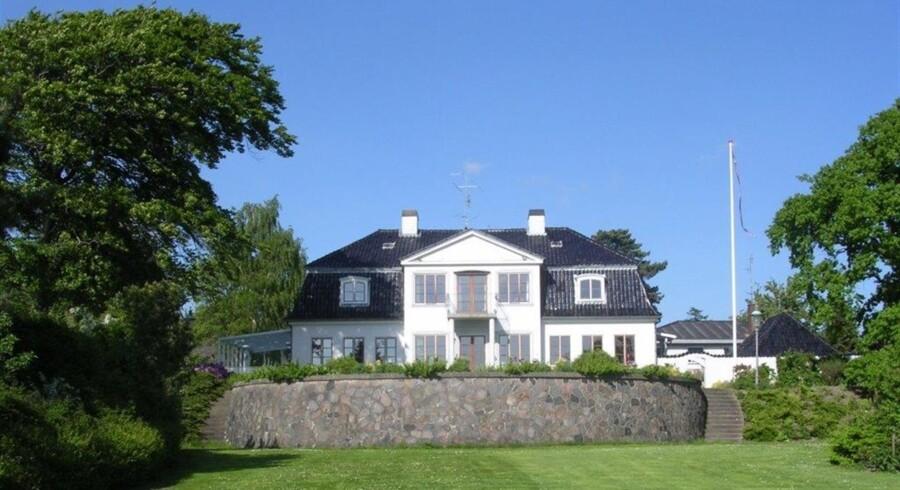 Denne villa med udsigt ud over Svendborgsund kan erhverves for den nette sum af 23 mio. kr. Foto: Boliga Selvsalg