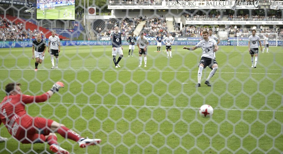 Nicklas Bendtner i aktion for Rosenborg mod Kristiansund på Lerkendal Stadion i Trondheim. Bendtner scorede to mål og lagde op til et tredje.