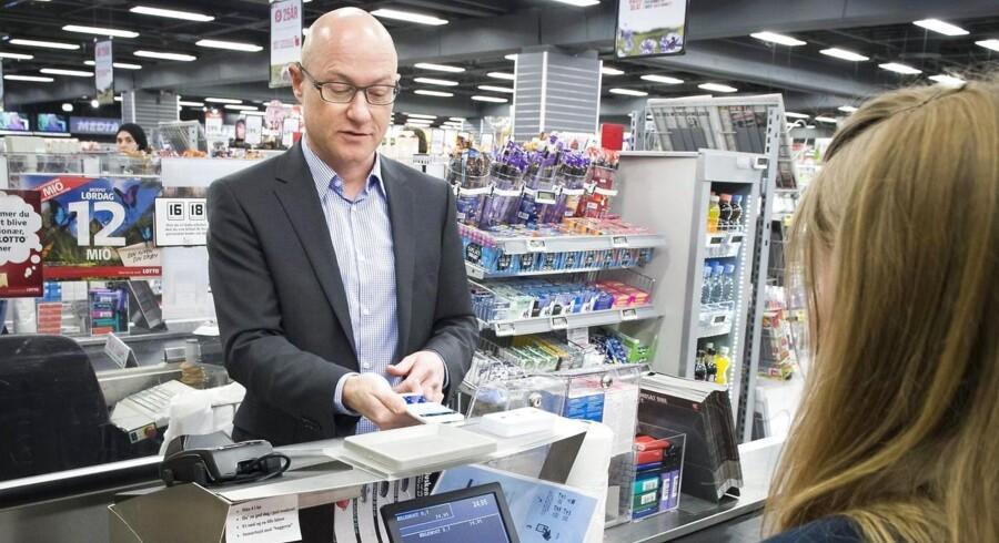 ARKIVFOTO: Dansk Supermarked og Danske Bank fortsætter udrulningen af MobilePay. I løbet af april begynder tre Føtex-butikker og et enkelt Bilka-varehus at tilbyde mobilbetaling.