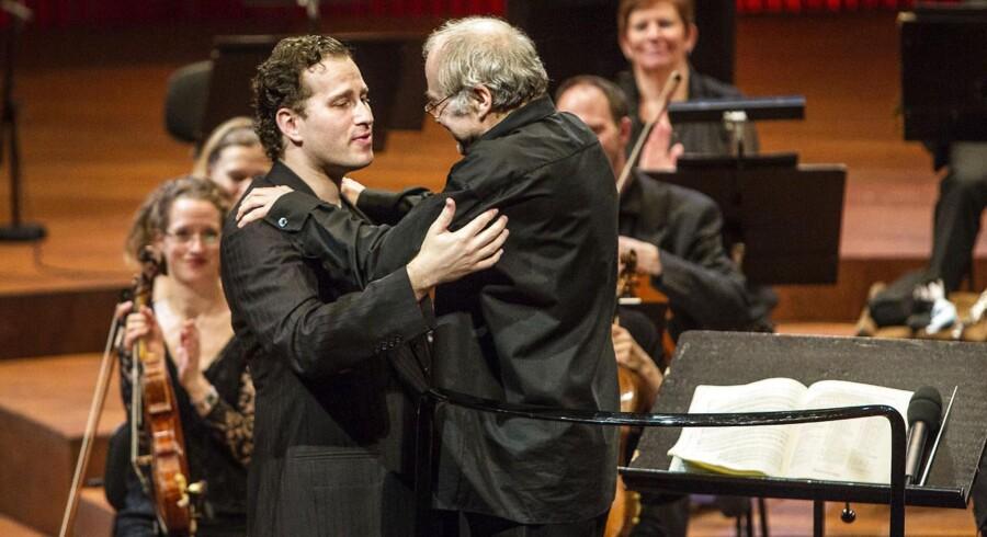 Nikolaj Znaider (t.v.) og dirigent Adam Ficher i DR Koncerthuset fredag.