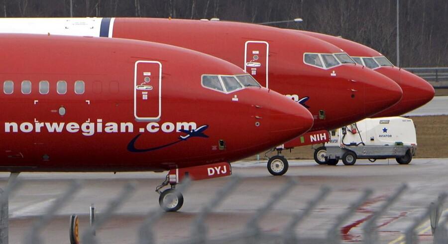 Brændstof er blandt de dyreste udgiftsposter for flyselskaberne, men Norwegian har satset på prisfald og sparet over en milliard norske kroner.