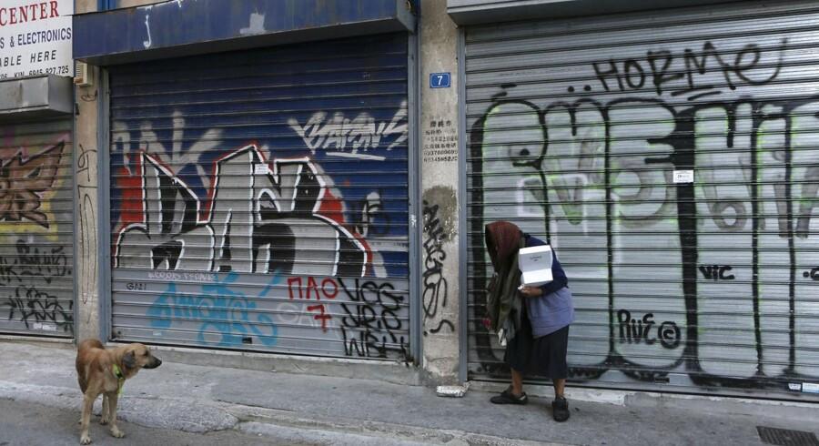 Krisen har ramt den græske befolkning hårdt. Butikker er lukket og arbejdsløsheden er steget voldsomt.