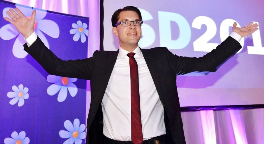 Sverigedemokraternas partileder, Jimmie Åkesson, vender tilbage fra sit sygdomsfravær.