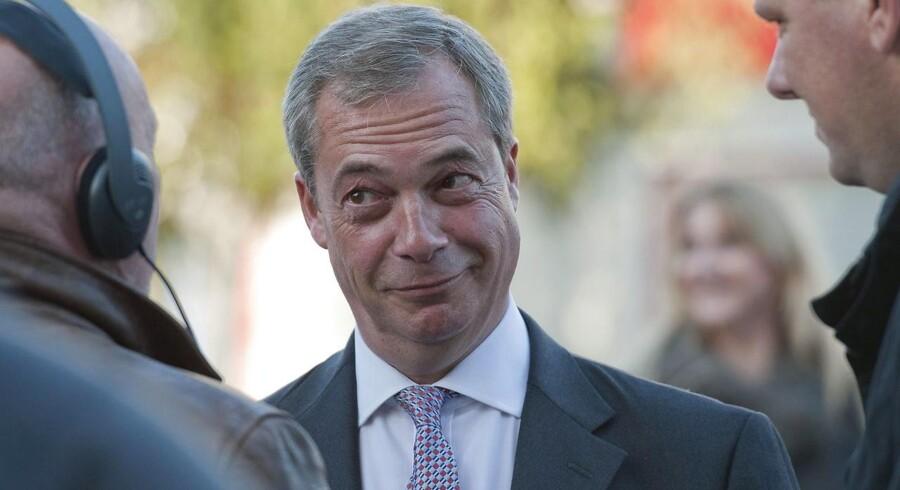 Nigel Farage, formand for det EU-kritiske UKIP-parti, er bestemt ikke nogen tilhænger af vindmøller, og han er blevet citeret for, at han personligt ville sprænge dem i luften, hvis det er nødvendigt.