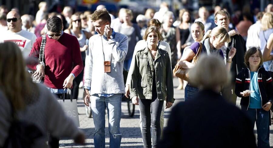 ARKIVFOTO. Der er mange danskere, som ikke ville vide, hvor krydset skulle sættes, hvis afstemningen om afskaffelse af retsforbeholdet var i dag. Mange aner ikke, hvad retsforbeholdet er.