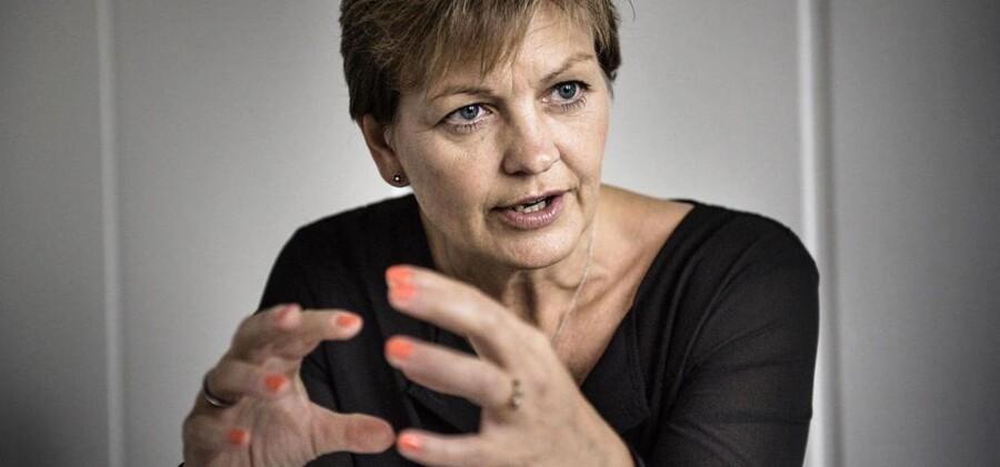 Eva Kjer Hansen vil ikke have Fødevarekontrollen til at kontrollere fødevareregler, som ikke direkte går ud over sundheden.