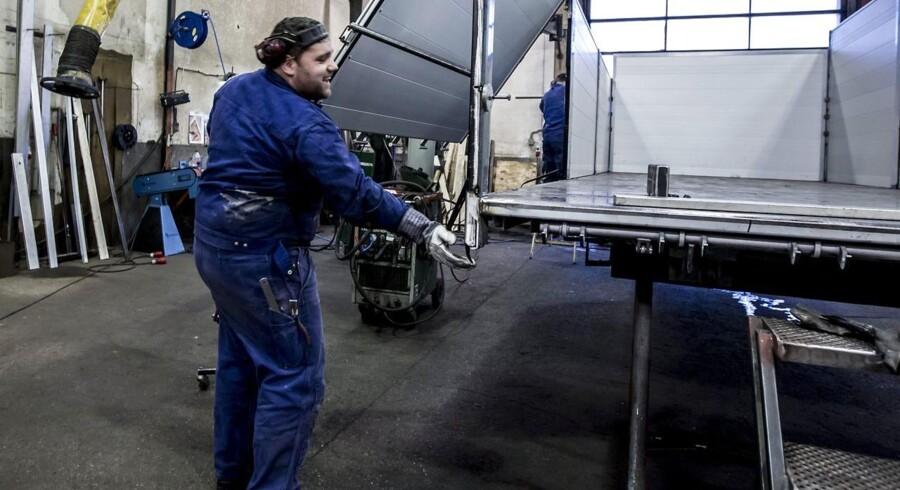 Vi besøger Skelhøje Vognfabrik og laver et portræt af den lille bys største arbejdsplads/Foto: Preben Madsen