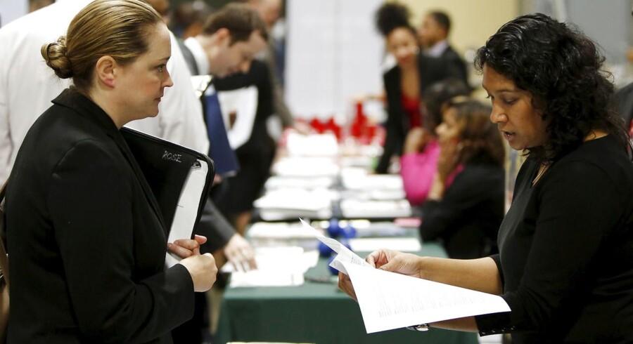284.000 amerikanere meldte sig som førstegangsledige i sidste uge. Det var flere nytilmeldte ledige end ventet.