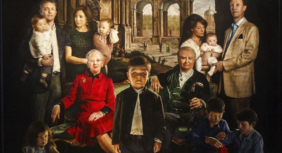 Maleren Thomas Kluge afslørede i efteråret sit store familieportræt af den kongelige familie (udsnit).