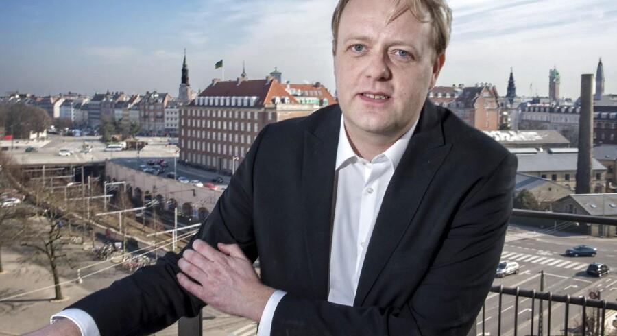 Morten N. Jakobsen har lagt en plan for det nye Bagmandspoliti. En plan, der ikke bare skal fange de økonomiske kriminelle af i morgen, men også ændre styrkens arbejdsmetoder. Til gavn for folket og samfundet, som nordjyden siger.