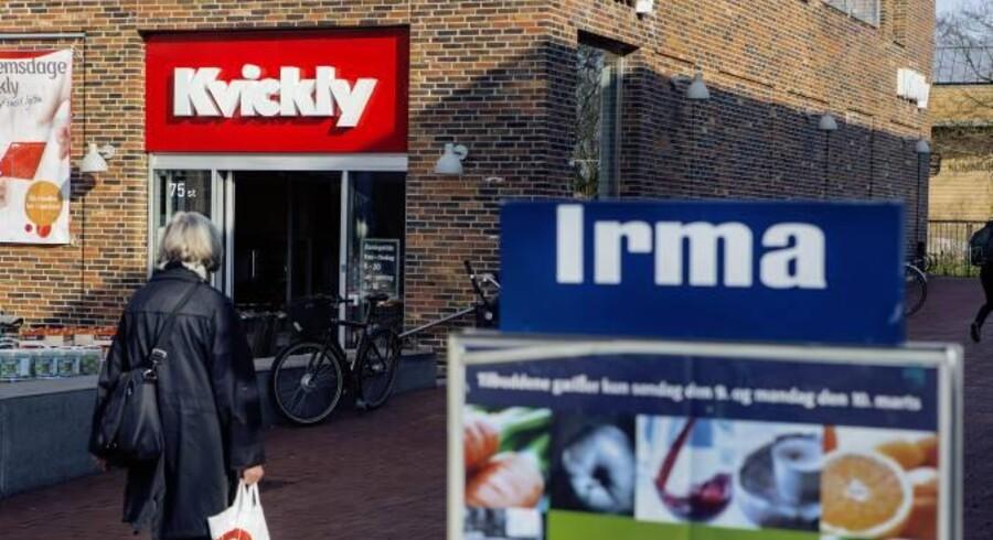 Den kundeejede dagligvarekoncern dropper jagten på nye lokaler for at koncentrere sig om at gøre sine 1.200 butikker bedre og billigere i drift. Faktisk spår Coop færre kvadratmeter.