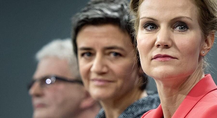 Statsminister Helle Thorning-Schmidt flankeret af økonomi- og indenrigsminister Margrethe Vestager. Vestager fik efter valget sin politiske vilje – og Thorning måtte droppe flere af de løfter, som hun gav danskerne under valgkampen. Den samme udfordring kan Lars Løkke Rasmussen komme til stå over for på den anden side af et folketingsvalg, når han skal samle en borgerlig regering.
