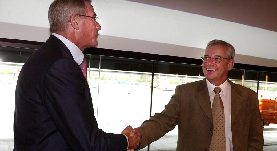 Nykredits direktør Mogens Munk Rasmussen skrev i juni 2003 en check på over syv milliarder kroner for Totalkredit med Niels Tørslev som direktør - så stærke er banker som salgskanaler.
