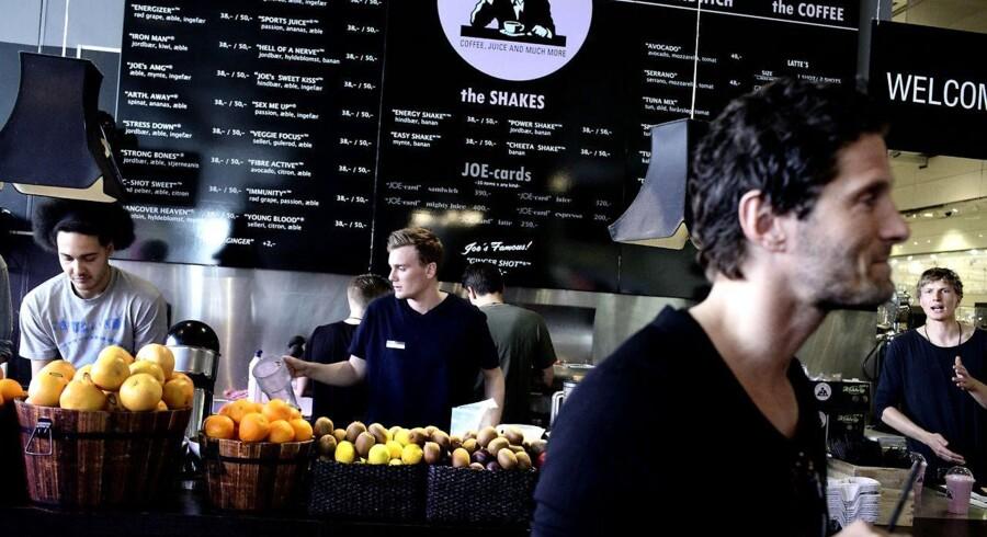 Joe & the Juice. Kasper Basse, indehaver i forgrunden.