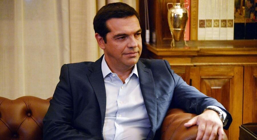 Alexis Tsipras' opsigelse kommer, fordi han ikke har været i stand til at gennemføre den politik (gældsaftale, reformprogram etc.) han blev valgt på i januar.