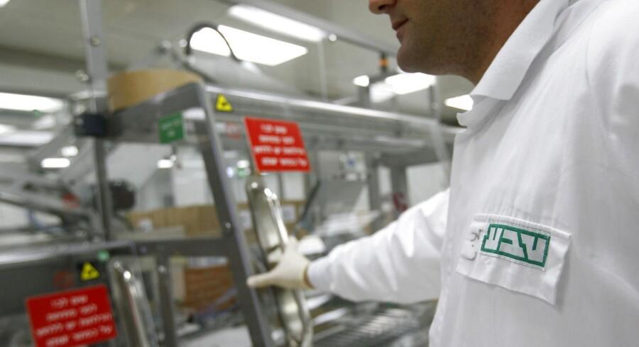 Det israelske medicinalselskab Teva Pharmaceuticals, der er specialiseret i kopiprodukter, leverede pænt i sit tredje kvartal og opjusterer sine forventninger til hele regnskabsåret.