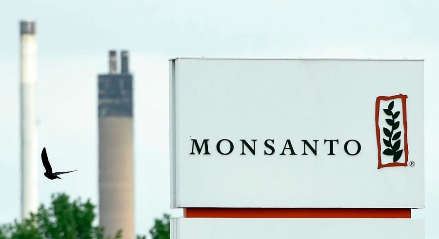 "(FILES) This file photo taken on May 24, 2016 shows the Monsanto logo at the firm Manufacturing Site and Operations Center in Lillo. US agricultural giant Monsanto said July 19, 2016 that a raised takeover bid from Germany's Bayer was ""insufficient, "" but that it remained open to talks to seal the transaction. Monsanto said Bayer's bid last week of $125 per share, up from the prior $122 per share, was ""financially inadequate"" to ensure a deal. But Monsanto left the door open to talks, adding that there are no assurance a deal will be reached. / AFP PHOTO / JOHN THYS"