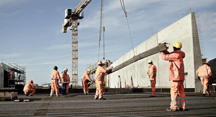 Metroen og Nordhavnstunnellen er blandt de byggerier, der giver beskæftigelse, men Dansk Byggeri spår 25.000 færre job i byggebranchen næste år.