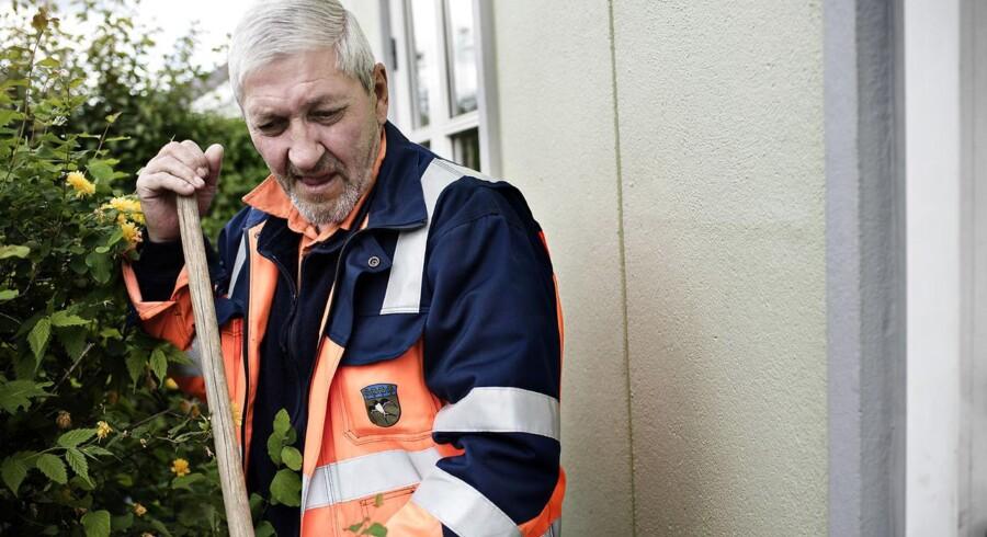61-årige Allan Hansen har haft fysisk arbejde, siden han var 13 år gammel. Socialdemokratiske folketingsmedlemmer og borgmestre vil sikre personer i en sådan situation mulighed for tidlig tilbagetrækning - selv om det ikke flugter med partiets officielle politik. Fotograferet i Herlev fredag den 29. maj 2015.
