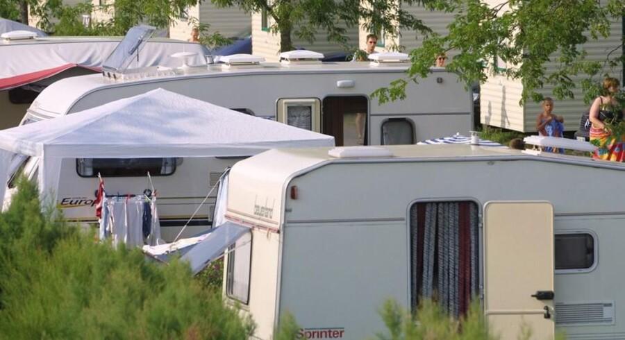 Omkring 2000 mennesker er blevet evakueret fra en campingplads i Italien, hvor en brand blev opdaget mandag morgen. En dansk familie mistænkes for at have glemt at slukke nogle stearinlys, der har antændt nogle gasflasker. Free/Www.colourbox.com