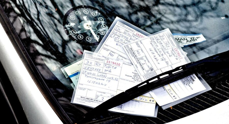 I en principiel dom har Østre Landsret slået fast, at der ikke kan pålægges flere afgifter for samme ulovlige parkering. (se Ritzau) Parkeringsbøder i en forrude.