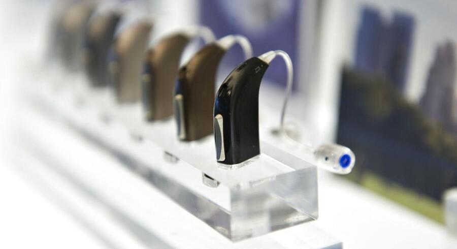 Her høreapparater fra Oticon.