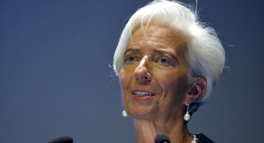 Den øverste leder for Den Internationale Valutafond (IMF), Christine Lagarde, meddeler fredag, at hun agter at opstille til en ny periode.