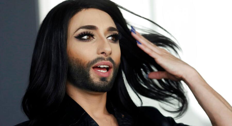 """Østrigs deltager ved Eurovision, Conchita Wurst, optræder med sangen """"Rise like a Phoenix"""". Den transseksuelle sanger har allerede vakt voldsom opsigt og debatteres på de sociale media. Foto: REUTERS/Leonhard Foeger"""