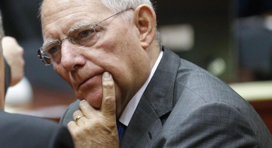 Finansminister Wolfgang Schäuble, der nu angriber kanslerens flygningepolitik, scorer gang på gang topkarakter, når vælgerkorpset skal vurdere politikernes troværdighed. Foto: Olivier Hoslet/EPA