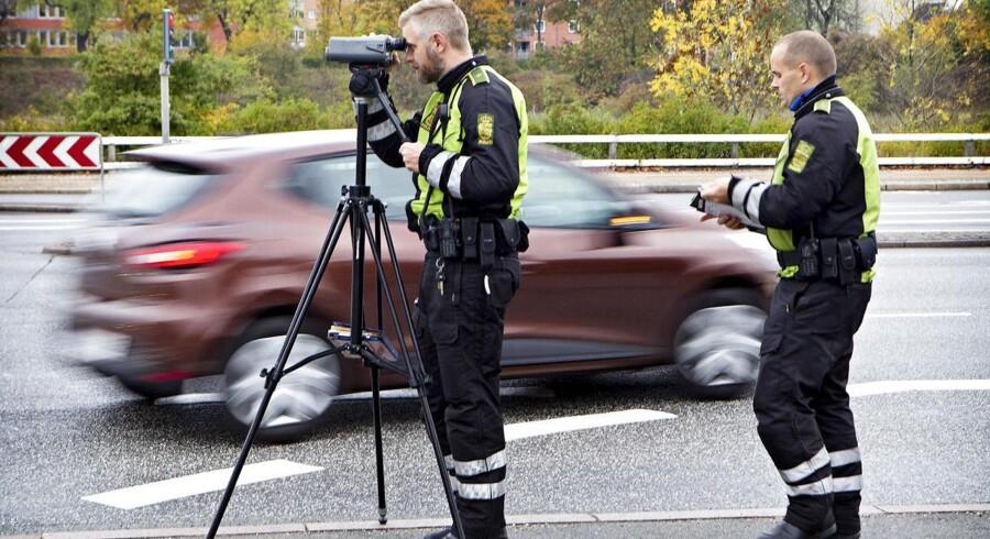 Læsernes dom over Venstres forslag om at fortælle bilisterne, hvor politiet opstiller fotofælder.
