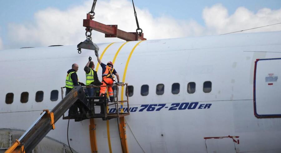 Flyproducenten Boieing skal levere 100 fly til det vietnamesiske flyselskab Viajet Aviation. Handlen har en værdi af 11,3 mia. dollar, svarende til 75 mia. kr. (REUTERS/Clodagh Kilcoyne)