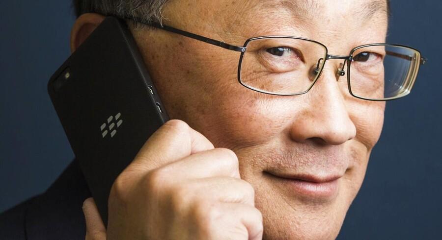 Blackberrys topchef siden efteråret, John Chen, smiler stadig, selv om regnskaberne udviser nye gigantunderskud. Foto: Mark Blinch, Reuters/Scanpix