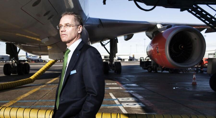 SAS' svenske topchef Rickard Gustafson er godt og grundigt træt af discountselskabernes ansættelsesformer.