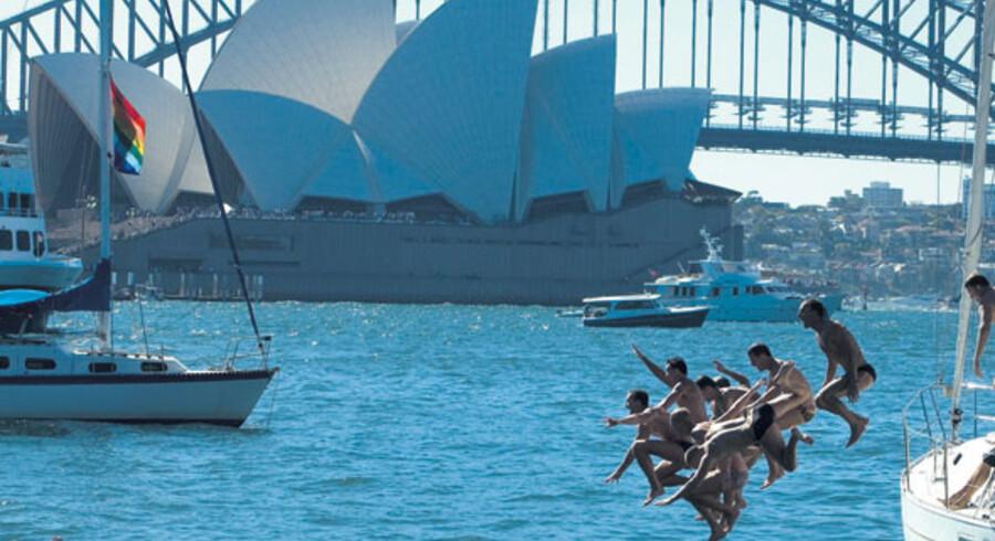 Ligesom New York er australske Sydney en by, der aldrig sover. Både om dagen og om natten leves udendørslivet for fuld hammer.