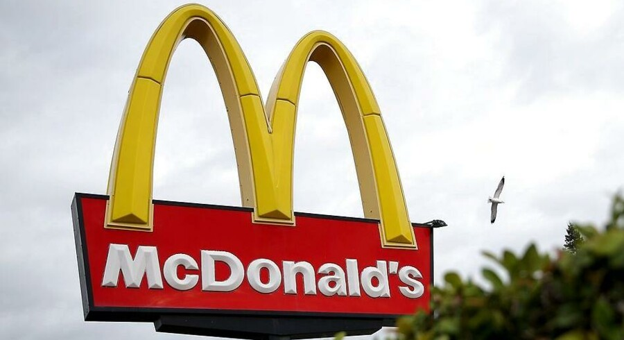 Færre kunder er tiltrukket af den gyldne måge i form af burgerkæden McDonald's, og nu er der udskiftning i toppen af koncernen.