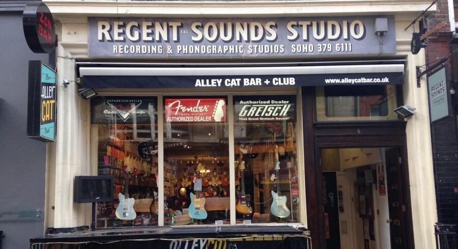 Regent Sound Studios beliggende i nr. 4 på Denmark Street. Her har navne som The Rolling Stones og Black Sabbaths indspillet albums.