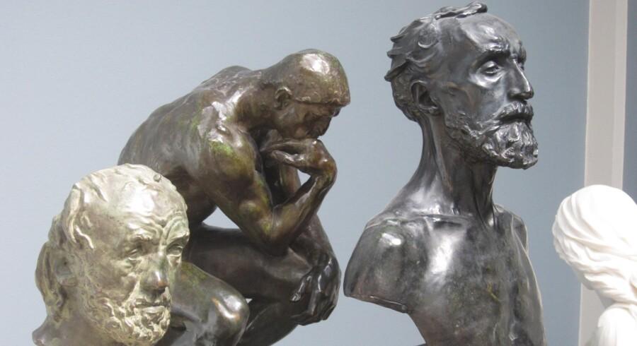 Det tog kun 12 minutter for de to tyve at stjæle en bronzebuste af den franske billedhugger Auguste Rodin.