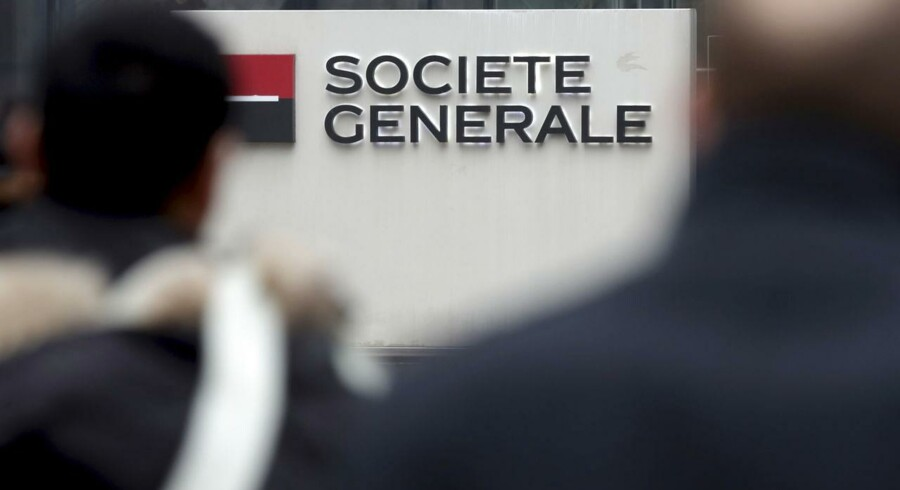 The logo of French bank Societe Generale is pictured at the entrance of the bank's headquarters in La Defense near Paris February 12, 2015.