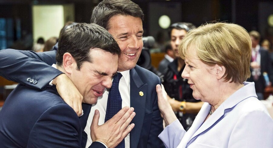 Grækenlands premierminister, Italiens ditto, Matteo Renzi, og Tysklands kansler Angela Merkel under forhandlingerne i Bruxelles.