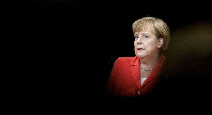 I det tyske regeringsgrundlag enedes CDU, CSU og SPD om kræve en repræsentation på mindst 30 procent af begge køn i de største tyske virksomheders bestyrelser. Per lov. Og så sent som i oktober understregede Angela Merkel, at aftalen skal overholdes. Men så enkelt er det bare ikke.