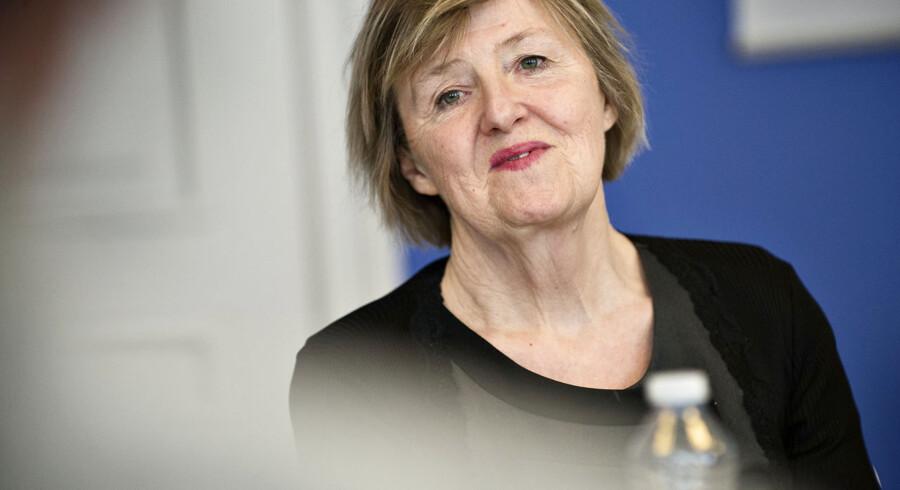Efter næsten 24 år på posten har KVINFOs direktør, Elisabeth Møller Jensen, besluttet at gå på pension