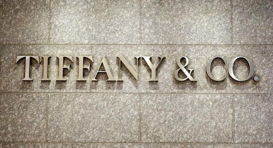 Pandoras amerikanske kollega, smykkekæden Tiffany & Co., nedjusterer forventningerne til 2015/2016. Det sker som led i en opdatering vedrørende salgsudviklingen i november og december.