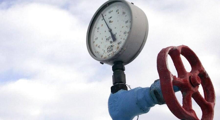 Siden 2012 er russisk gas blevet pumpet til Vesteuropa gennem en rørledning, der ligger på bunden af Østersøen og går tæt forbi Bornholm. De to tidligere Venstre-udenrigsministre Uffe Ellemann-Jensen og Henning Christophersen kritiserer den tidligere VK-regering for at have tilladt byggeriet.
