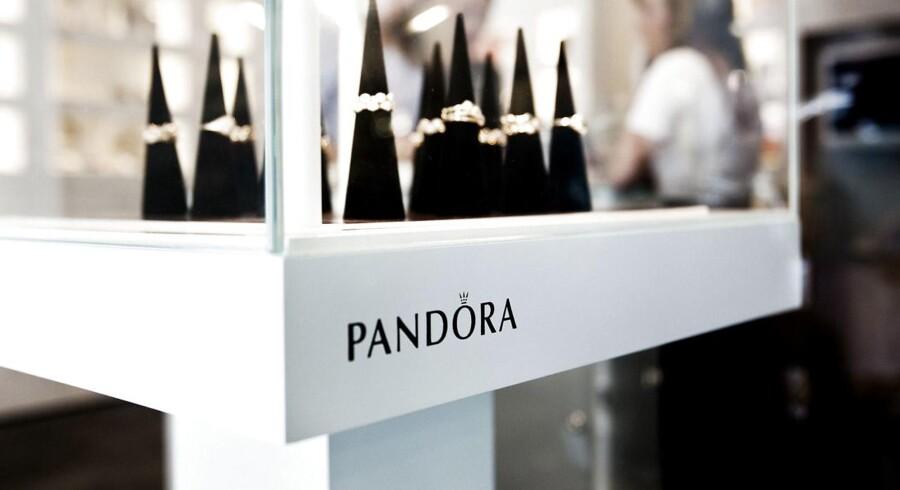 Pandora har store ambitioner. Selv om smykkeselskabet har toppet egne forventninger til omsætningen i 2015, skal der endnu flere kunder i butikken, og det skal nye konceptbutikker være med til at opfylde.
