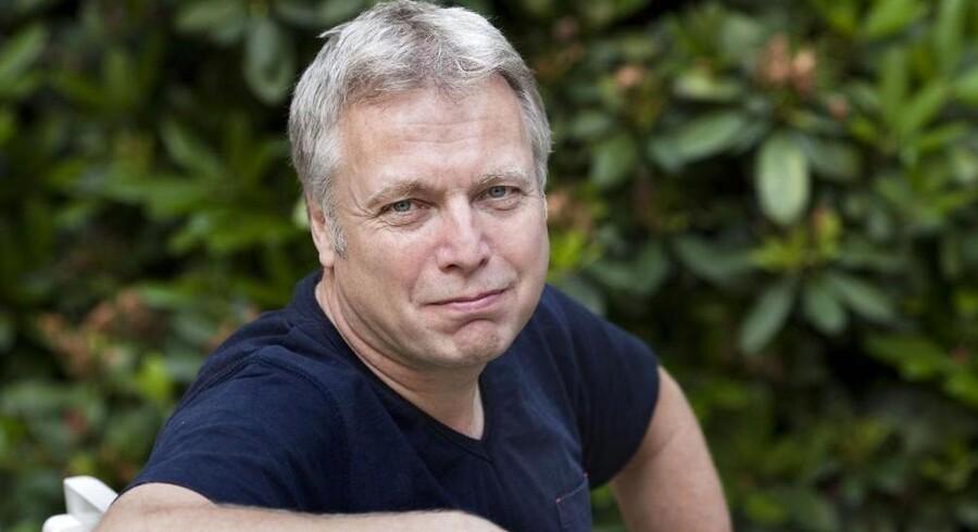 Tidligere kulturminister Uffe Elbæk træder ud af Det Radikale Venstre og bliver løsgænger i Folketinget. Uffe Elbæk vil dog fortsat støtte op om den siddende regering, oplyser han.